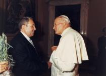 Современники: с Папой Римским Иоанном Павлом II